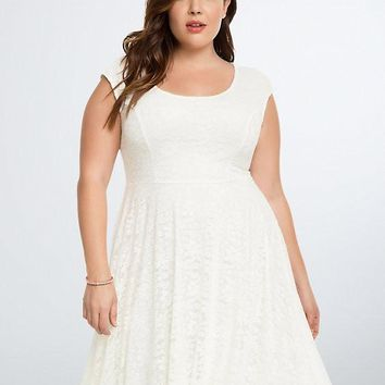 21001 Torrid Open Back Lace Skater Dress NWT Torrid Size 2
