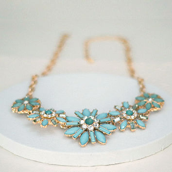 Statement Necklace - Gold Tone - Mint green Stones Flowers