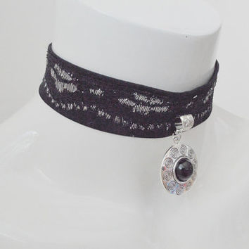 Medallion of fortune - gothic choker with silver and black pendant - cosplay lolita kitten pet play collar necklace