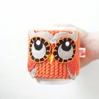 Owl cup cozy in orange color. Drink your brew with style. Made to order