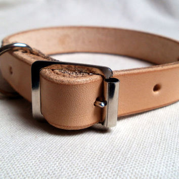 Natural leather dog collar, small and medium sizes