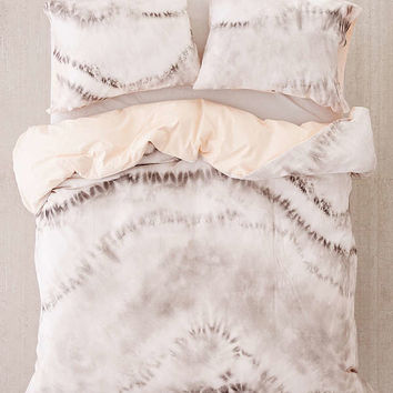 Neutral Tie-Dye Reversible Duvet Cover | Urban Outfitters