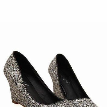Fashion pointed toe paillette decorated wedge