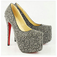 Christian Louboutin Daffodile 160mm Strass Pumps Black