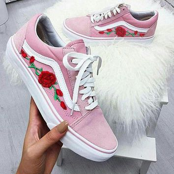 2018 Original Vans Classics Old Skool Floral Embroidered Sneaker