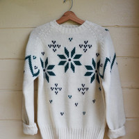 Vintage 80s Pullover Sweater Izod Snowflake Sweater Wool Sweater Mens Christmas Sweater by Izod Vintage NWT Size Large