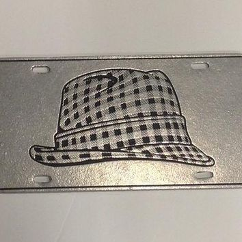 ONETOW NCAA Alabama Crimson Tide Metal Hounds Tooth Hat License Plate