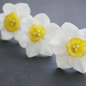 Daffodils flower hair pin set - bridal flower pins - white flower hair pin - Daffodils hair clip - spring hair clip - clay hair flower.