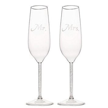 Set of 2 Wedding Champagne Flute Glasses  Mr and Mrs Bride Toasting Engraved Flute Pair Glass Set  17 x 27 x 95 Inches