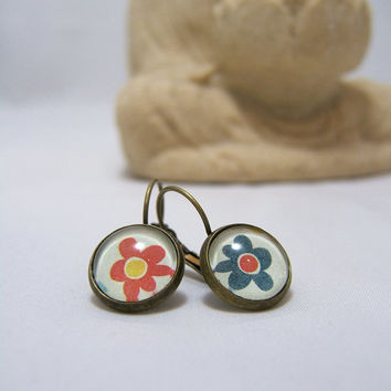 FLOWER Earrings ~ Red & Blue FLOWER print Glass Dome Earrings ~ 12 mm ~ Bronze ~ Leverback ~ Glass Dome ~ Picture ~ Glass Cabochon
