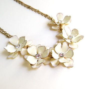 Vintage Cream Enamel Flower Necklace, Cream Rhinestone Necklace, Floral Necklace, Gold Tone Metal
