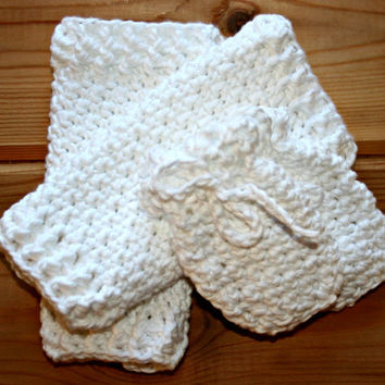 organic baby clothes, luxury, newborn baby mittens, leg warmers, white, fairtrade, cotton, crochet baby clothes, etsy baby, eco-friendly,