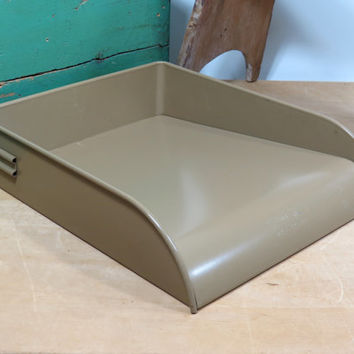 Industrial Tan Metal Letter Tray . Globe Wernicke 1938-41 Patent . Vintage Office . Very Nice Old Desk Tray