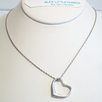 Classic Heart Silhouette Pendant Necklace Silver Tone Valentine's Day Costume Jewelry