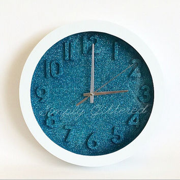 Stunning Glitter Wall Clock in Peacock and White
