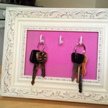 Shabby Chic Frame Key Holder - Stand and Wall Mount - 3 Hooks - Cream & Pink