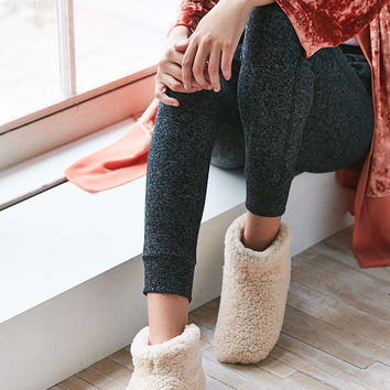 UGG Amary Slipper | Urban Outfitters
