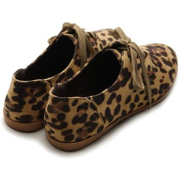 Ollio Women Classic Flat Shoe Lace Up Faux Suede Oxford(7 B(M) US, Leopard)