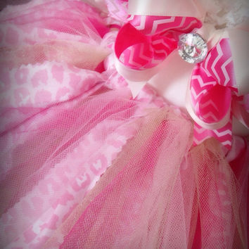 Pink Tutu, BIRTHDAY Tutu, Photo Prop Tutu, Tutu and Headband, Newborn Tutu, Posh Tutu, Girly Tutu, Shower Gift, Girl Shower Gift