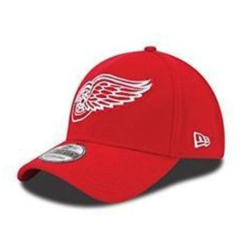 ONETOW NHL Detroit Red Wings Team Classic 39Thirty Red Flex Fit Hat