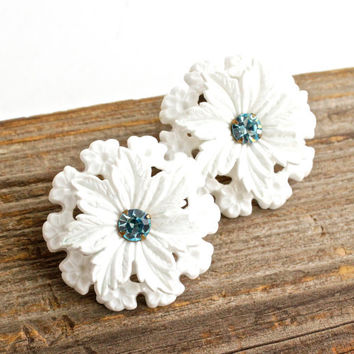 Vintage Big White Snowflake Clip On Earrings -  Baby Blue Prong Set Glass Stone Costume Jewelry / Large Flowers