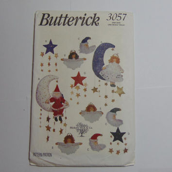Butterick Pattern 3057 Christmas Wall Hangings and Ornaments 1993