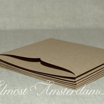10 Eco-friendly Paper Pockets / Pouches / Sleeves for DIY Wedding Invitations & Stationery