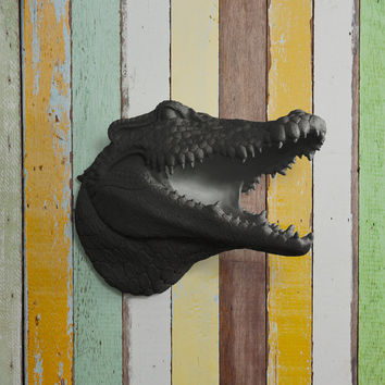 The Nile in Black - Faux Alligator Head Fake Crocodile Taxidermy Ceramic Plastic Resin Mounted Animal Decorative Fauxidermy Wall Mount Art