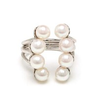 YVONNE LEON | 18k White Gold Eight Pearl Ring | brownsfashion.com | The Finest Edit of Luxury Fashion | Clothes, Shoes, Bags and Accessories for Men & Women