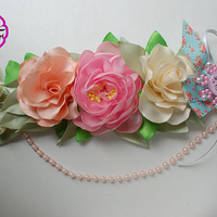 Floral baby shower sash, maternity sash girl , pink belly belt , baby shower sash. floral pregnancy sash , Its a girl sash , mom to be belt