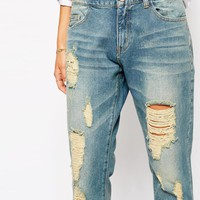 Vila Lightwash Distressed Boyfriend Jean