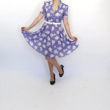 Vintage 1970s does 1940s California Looks Purple White Rose Floral Shirt Shift Day 50s Dress Tea Dress Sundress Rockabilly Dress Hipster