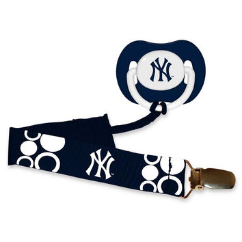 Pacifier With Clip - New York Yankees