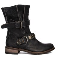 Feud Crescent Buckle Detail Flat Boot - Black
