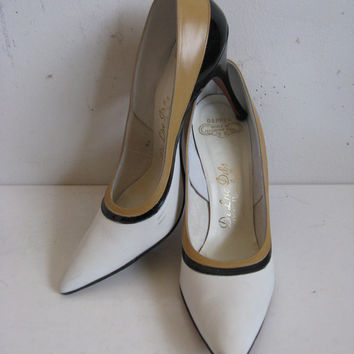Vintage 1970s Leather Shoes 70s Delman White Color Block High Heel Leather Shoes 8