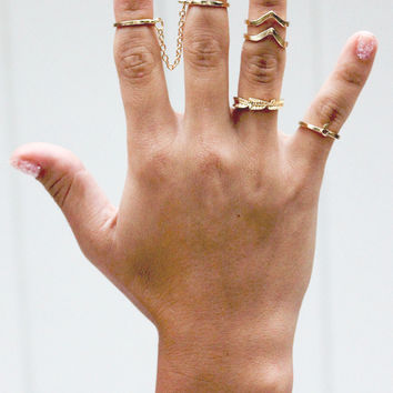 The Wavy Rings in Gold