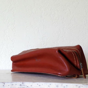 vintage leather bag / men's travel bag / leather cosmetic bag / men's leather dopp kit / vintage dopp bag / vintage red leather toiletry