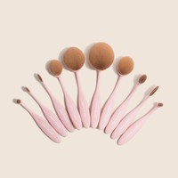 Blend Party | Oval Makeup Brush Kit*
