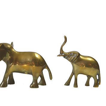 Vintage Brass Elephant Figurines Mother and Baby Elephants Pair of Elephant Statues Nursery Decor Baby Shower Gift