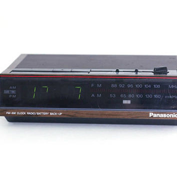 Vintage Electric Digital Clock Radio | Tabletop Radio with Battery Backup Panasonic AM / FM with Alarm and Snooze Button Model RC 6065 Works
