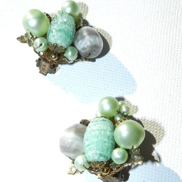 GIFTSALE--) Haskell Style Earrings,Costume Jewelry, 50s Vintage, Iridescent Green Blue Bead Art Glass Pearl Cluster, Vintage Jewelry