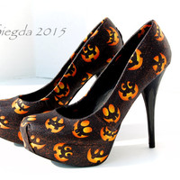 Halloween-Jack o Lantern-Women's black pumps- custom heels-Holiday shoes-pumpkins-October-gifts for her-glitter