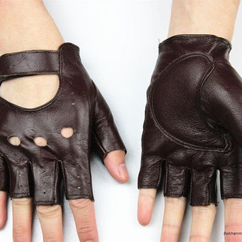 Guantes Mujer Time-limited Fingerle  Gloves 2017 Leather Gloves Women's Semi-fingertips Travel Driving Sports 100% Full Price