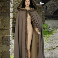 Medieval Style Fur Trimmed Faux Suede Cape Cloak with Hood
