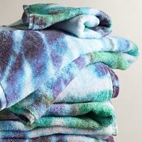 Tie-Dye Towel by Fresco Towels Blue Motif Wash Cloth