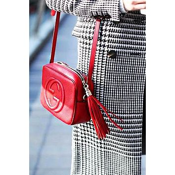 Gucci sells lady's double G single shoulder fringed bag Red