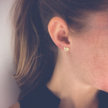 Gold bird earrings | Tiny studs, Bird jewelry, Matte gold