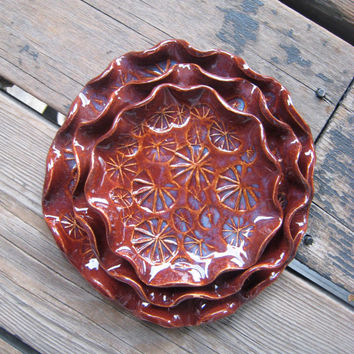Red Starburst Nesting Dishes - Set of 3 Ceramic Nesting Plates - Small Serving Trays - Firework Pottery
