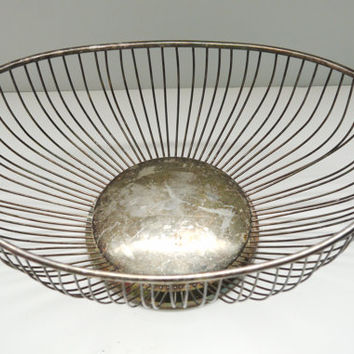 Vintage Leonard Silver-Plate Wire Bowl - Perfect for fruit or bread - 1970's - So Elegant