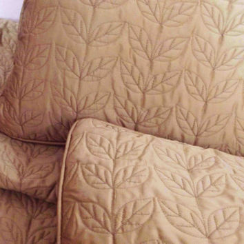 "quilt pattern solid colour quilt  gold twin coverlet  luxury bedspread silk coverlet with 2 pillows in size 108""x90"" and 18""x27"""